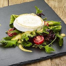 A Séf salátája Szent Jakab sajttal és ajándék üdítővel